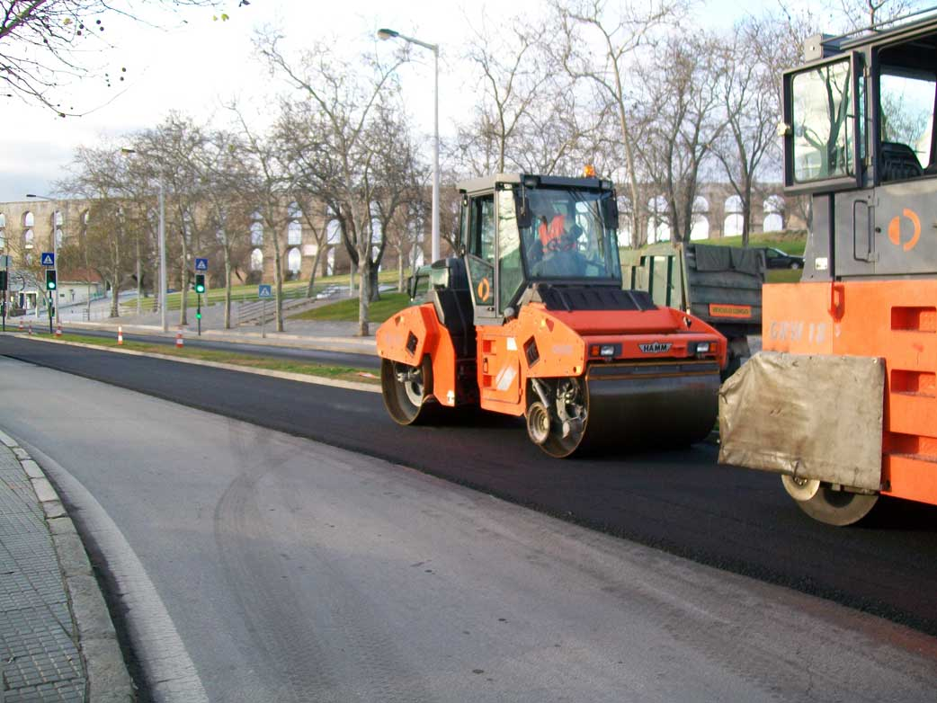 Road construction in Évora, Portugal